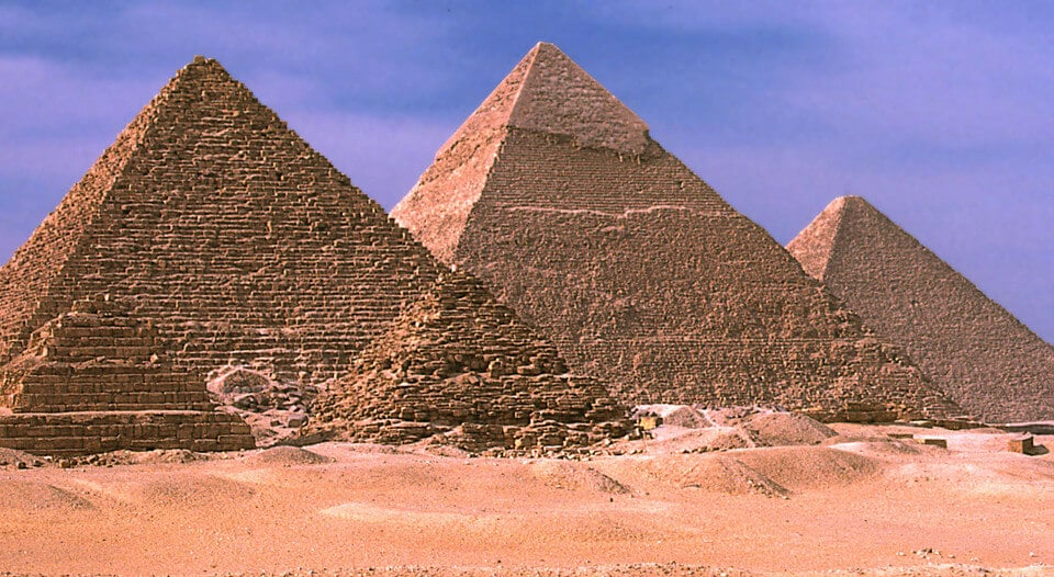 Great Sphinx, Chephren Pyramid, Giza, Egypt  № 2245345 бесплатно