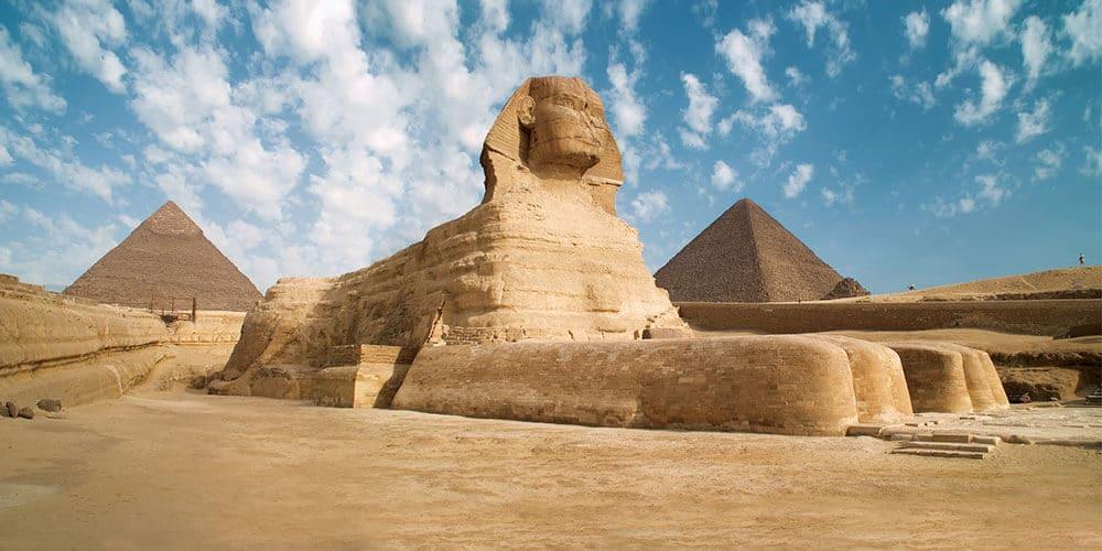 sfinga pyramidy