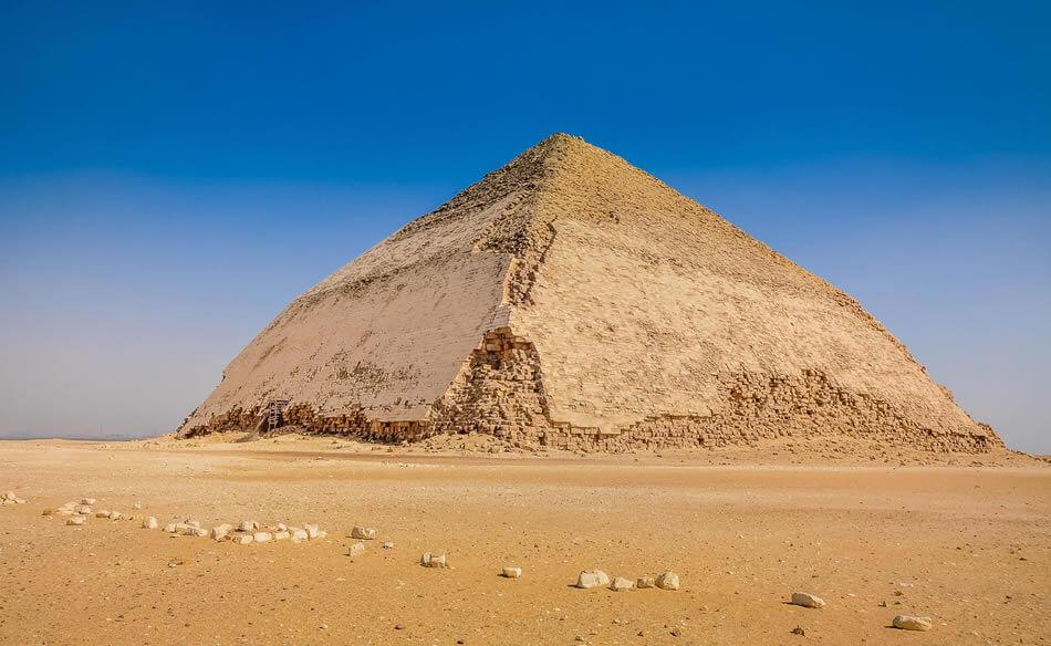 lomena pyramida